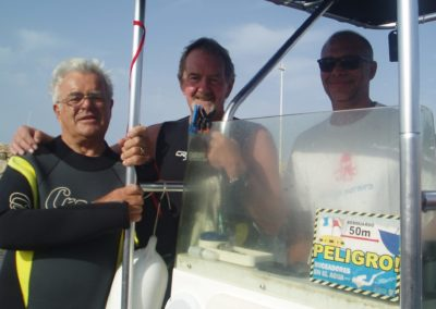Friends diving with Scuba Moraira